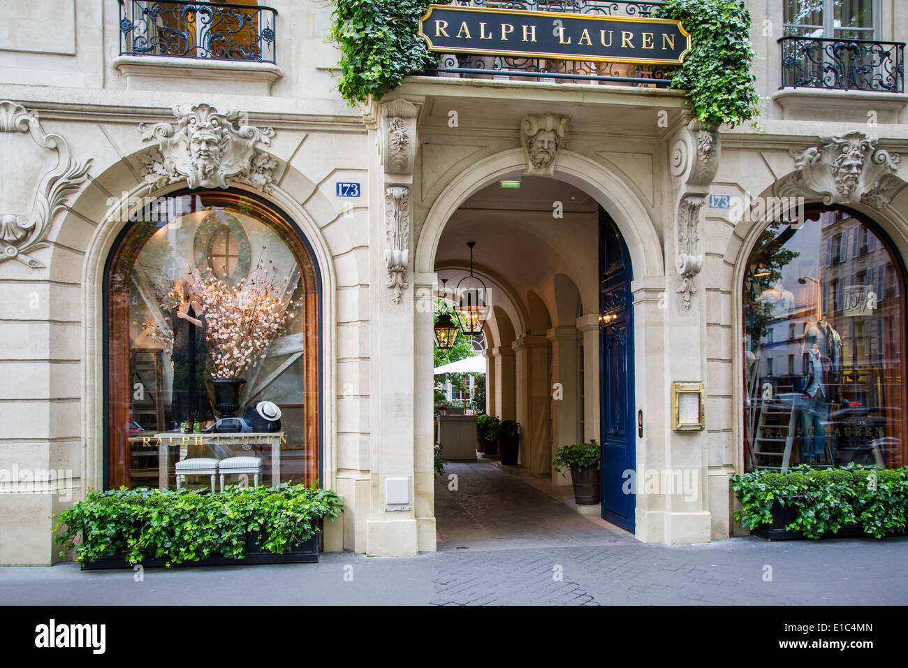 Entry to ralph lauren store and restaurant in saint germain des pres stock photo 69723269 alamy - Boutique cuisine paris ...