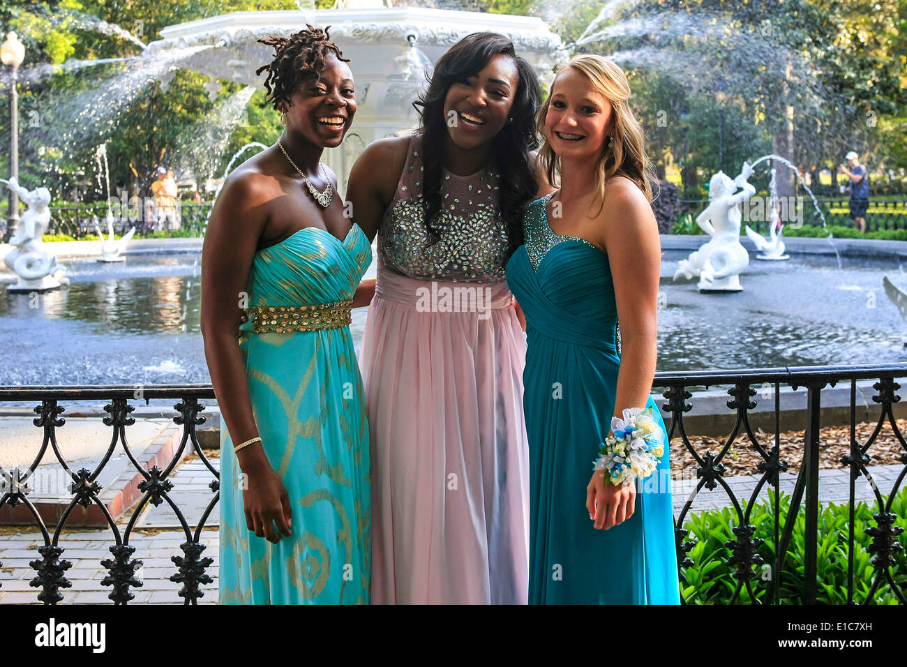 High School students dressed up for Prom Night in Forseyth Park ...