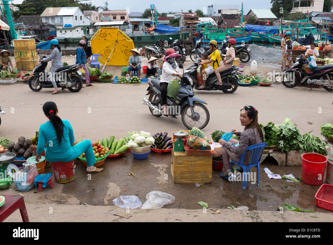 Food Market in Duong Dong Phu Quoc Island in Vietnam - Stock Image