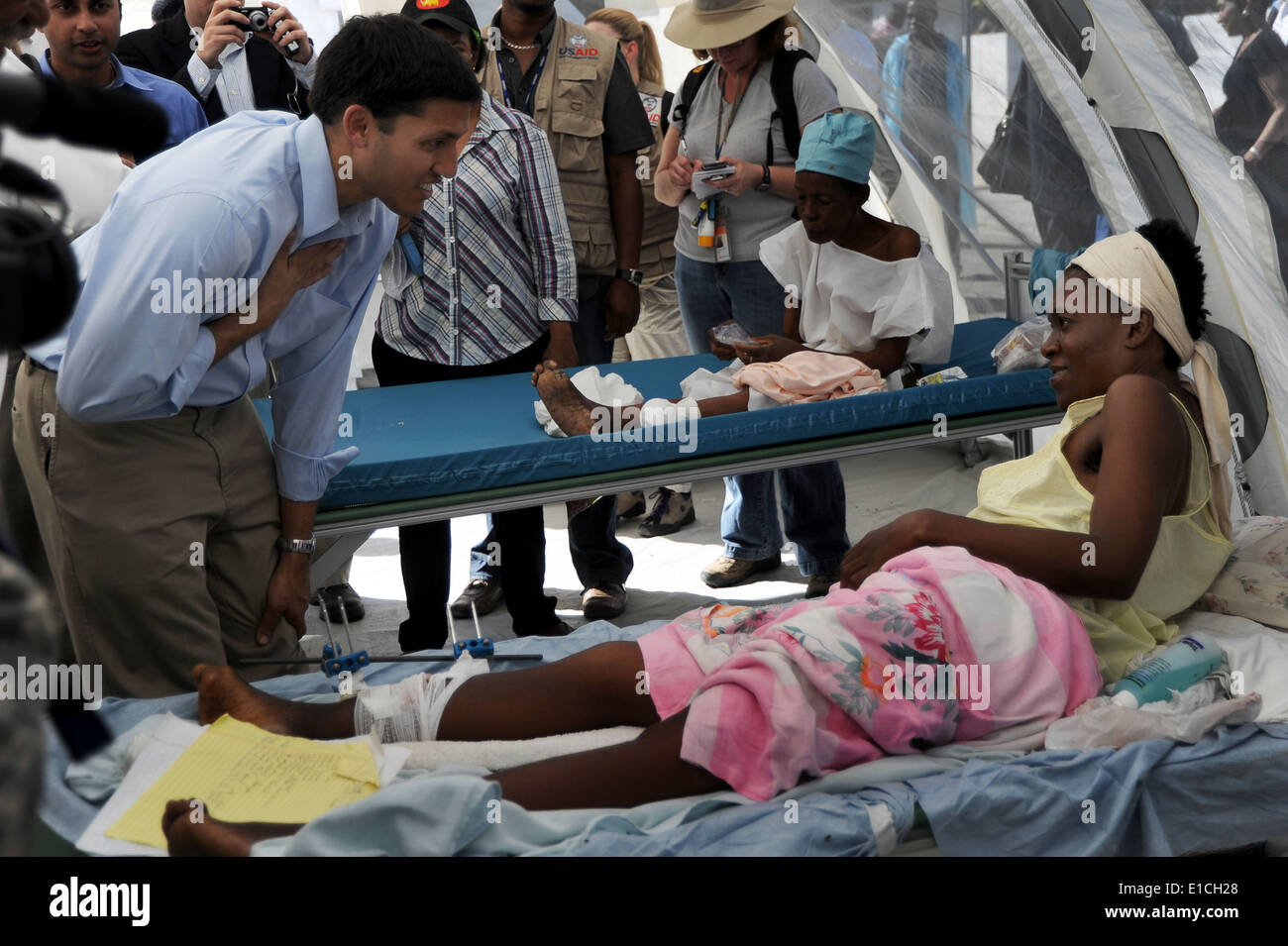 Dr. Rajiv Shah, the administrator of the U.S. Agency for International Development (USAID), visits a hospital in Port-au-Prince - Stock Image