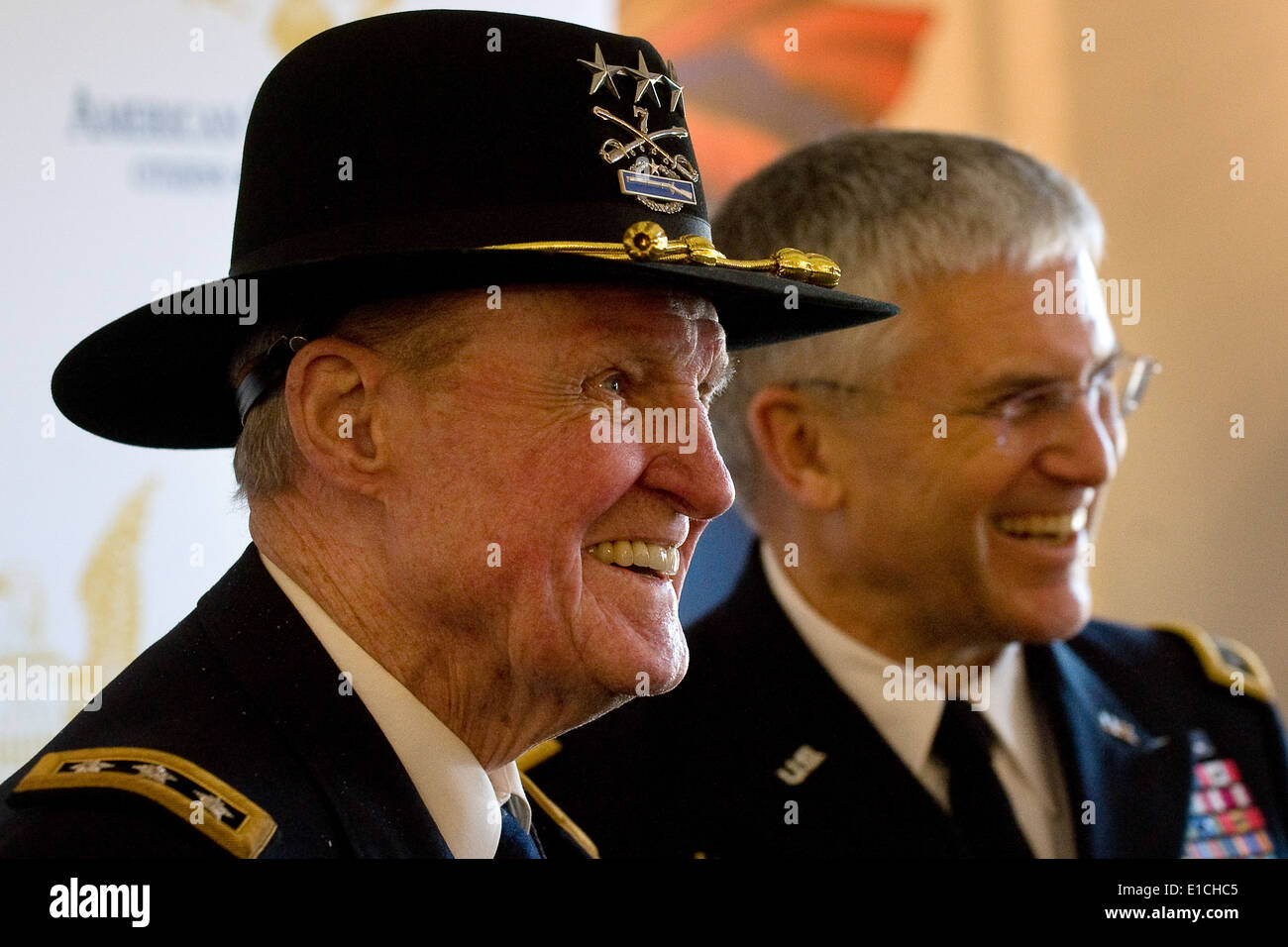 Army lt gen harold moore ret and gen george w casey jr army lt gen harold moore ret and gen george w casey jr chief of staff of the army answer questions during a press con altavistaventures Image collections