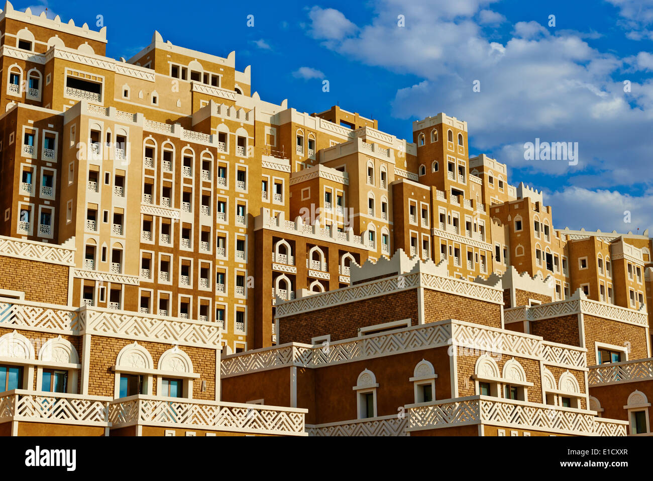 United Arab Emirates, Dubai, the Palm Jumeirah, building with Yemen style of architecture - Stock Image
