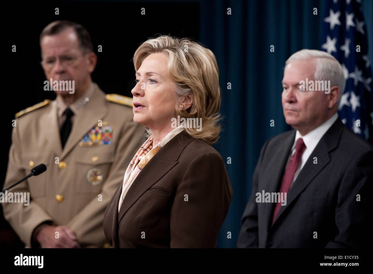 Secretary of State Hillary Rodham Clinton, center, speaks during a press conference on the new Nuclear Posture Review Stock Photo