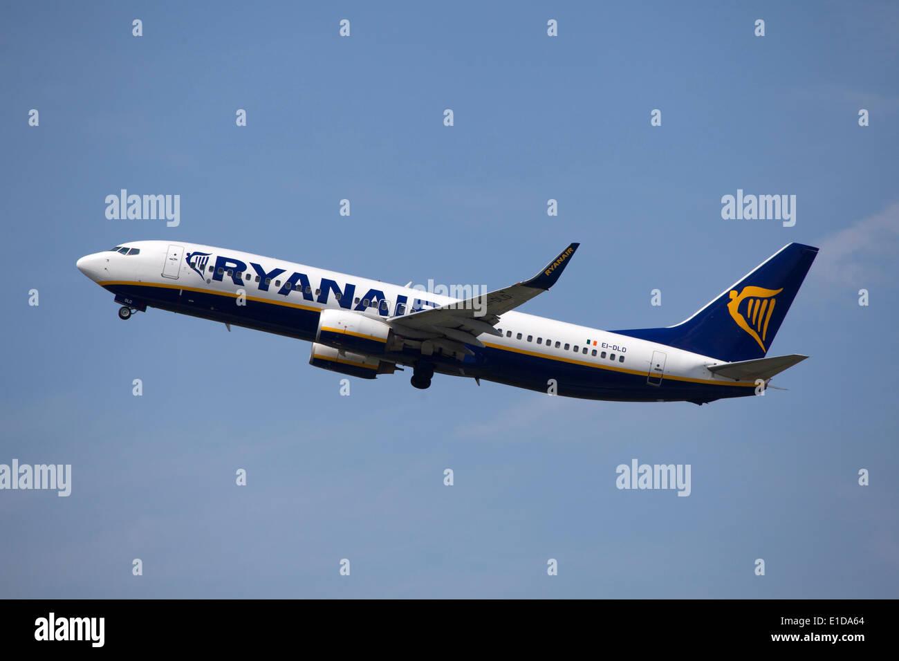 Ryanair Boeing 737 800 taking off - Stock Image
