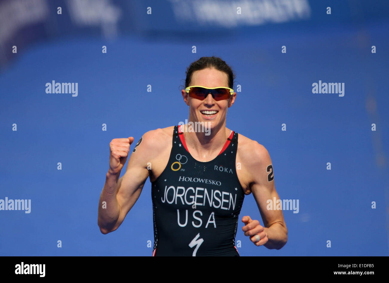 London, UK. 31st May, 2014. London, Rngland. 31st may 2014. Gwen Jorgensen of USA wins the women elite ITU Triathlon held in London. Credit:  petericardo lusabia/Alamy Live News - Stock Image