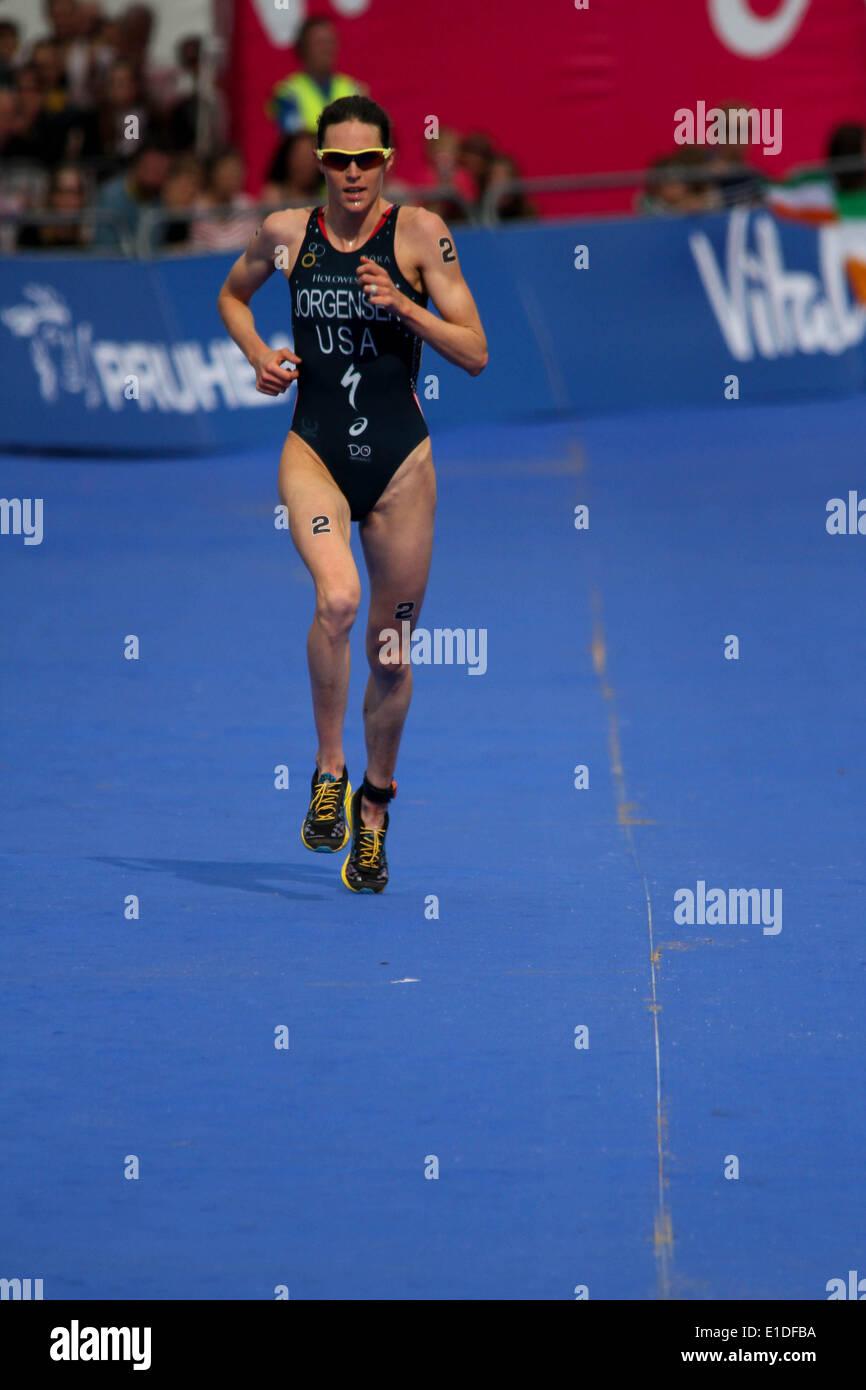 London, UK. 31st May, 2014. London, Rngland. 31st may 2014. Gwen Jorgensen of USA wins the women elite ITU Triathlon held in London. Credit:  petericardo lusabia/Alamy Live News - Stock Image