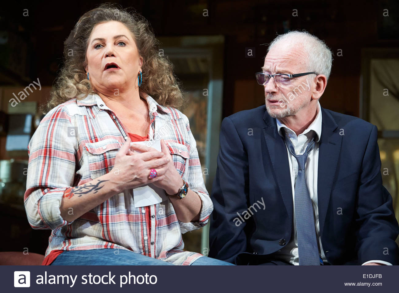 Bakersfield Mist by Stephen Sachs, directed by Polly Teale. With Kathleen Turner as Maude Gutman, Ian McDiarmid Stock Photo