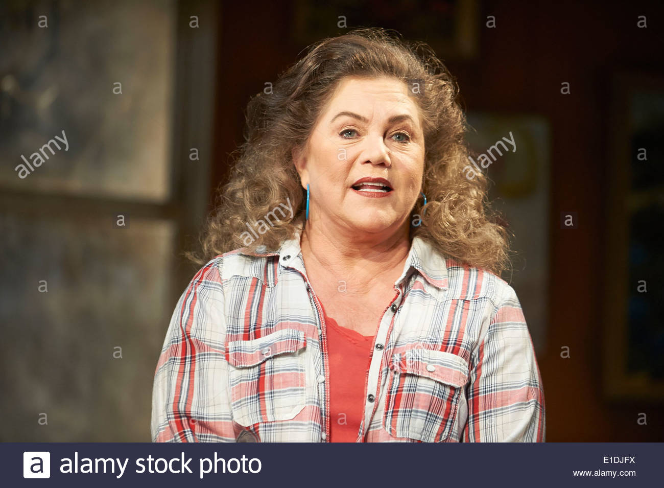Bakersfield Mist by Stephen Sachs, directed by Polly Teale. With Kathleen Turner as Maude Gutman, - Stock Image