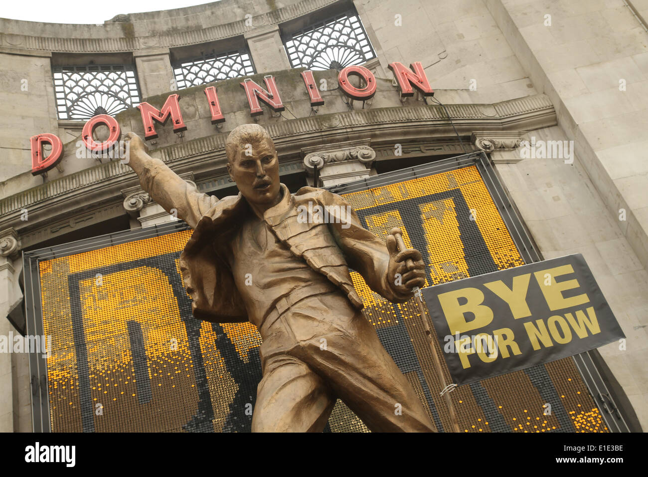 London, UK. 31 May 2014. The musical 'We Will Rock You' that has been running at the Dominion Theater opening its Stock Photo