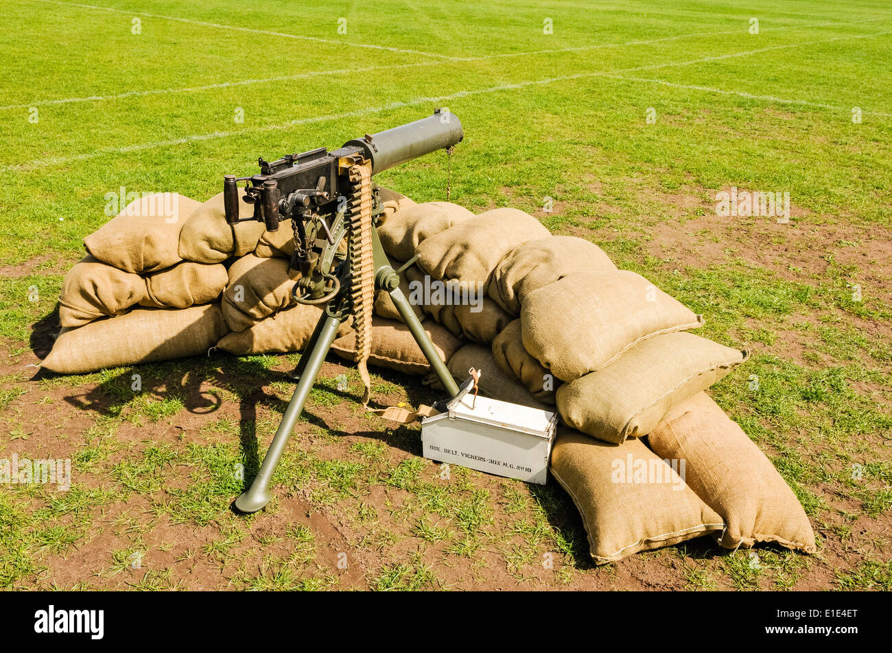 Vickers water cooled medium machine gun surrounded with sandbags, as used in World War 1. - Stock Image