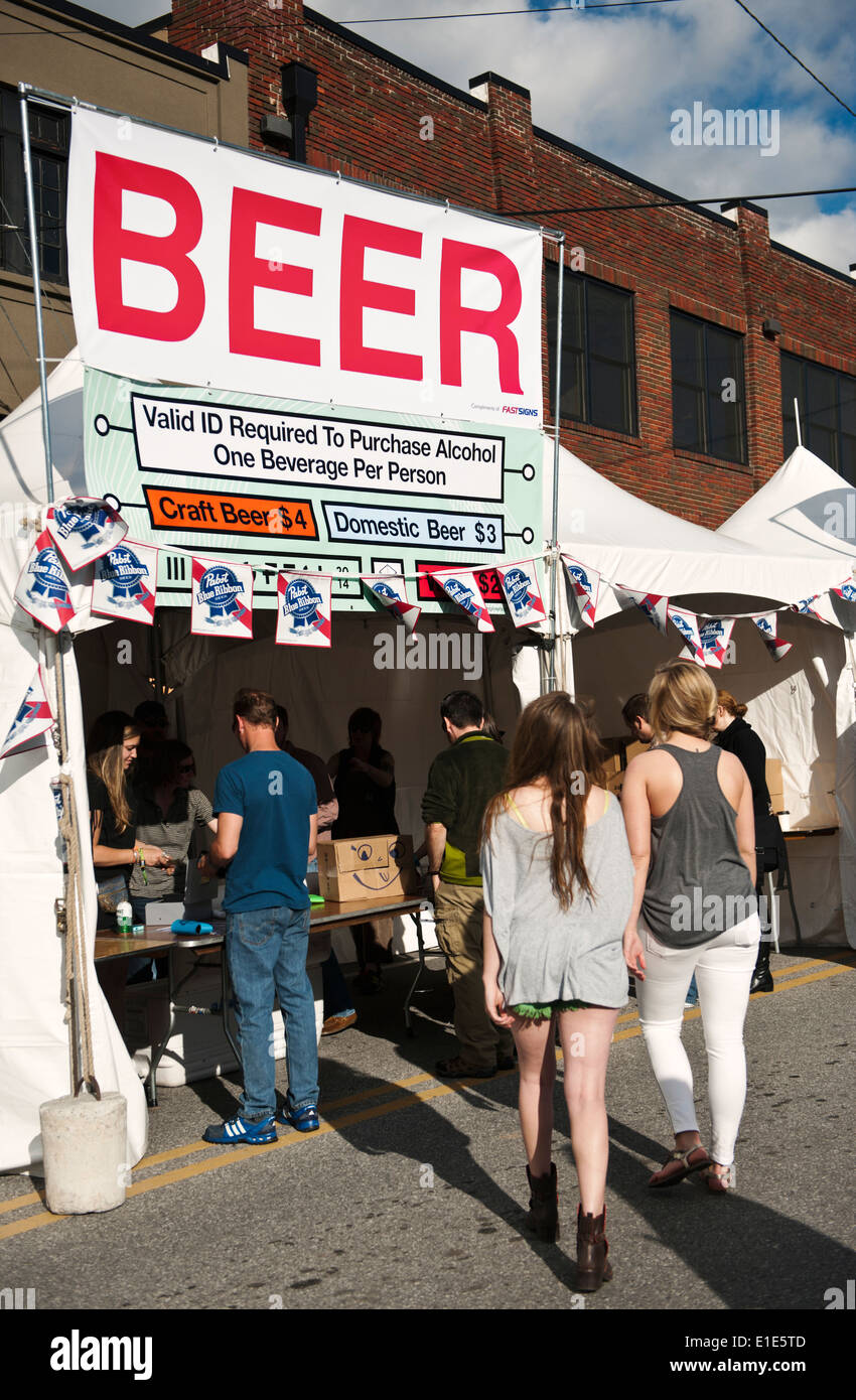A beer stand at the MOOG Fest festival - Stock Image