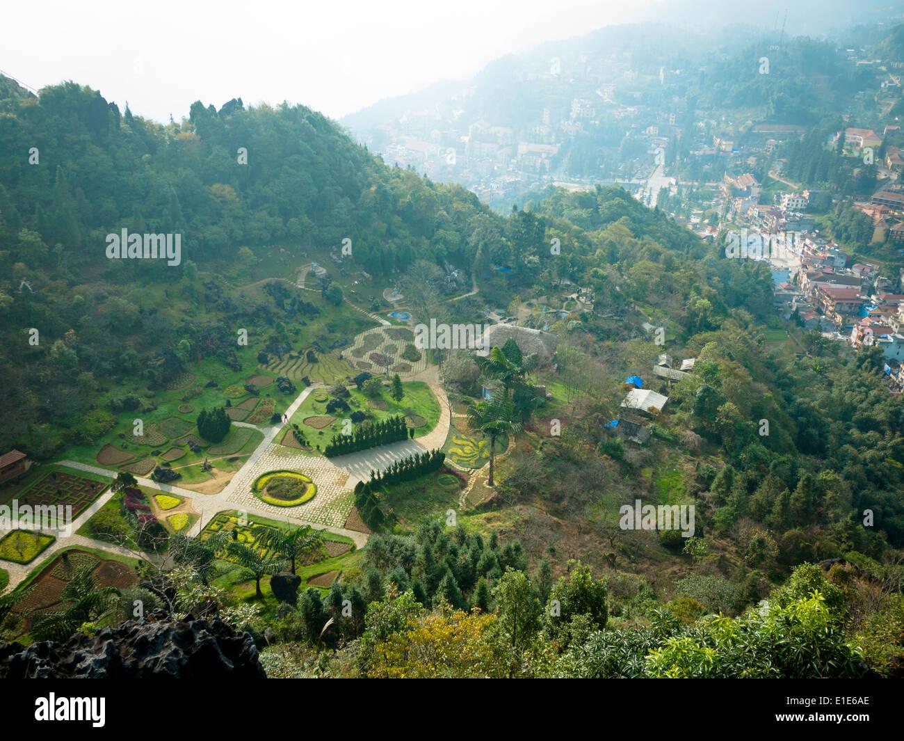 A view of Sapa (Sa Pa), Vietnam, as seen from Vuon Hoa Ham Rong (Vuon Hoa Botanical Gardens). - Stock Image