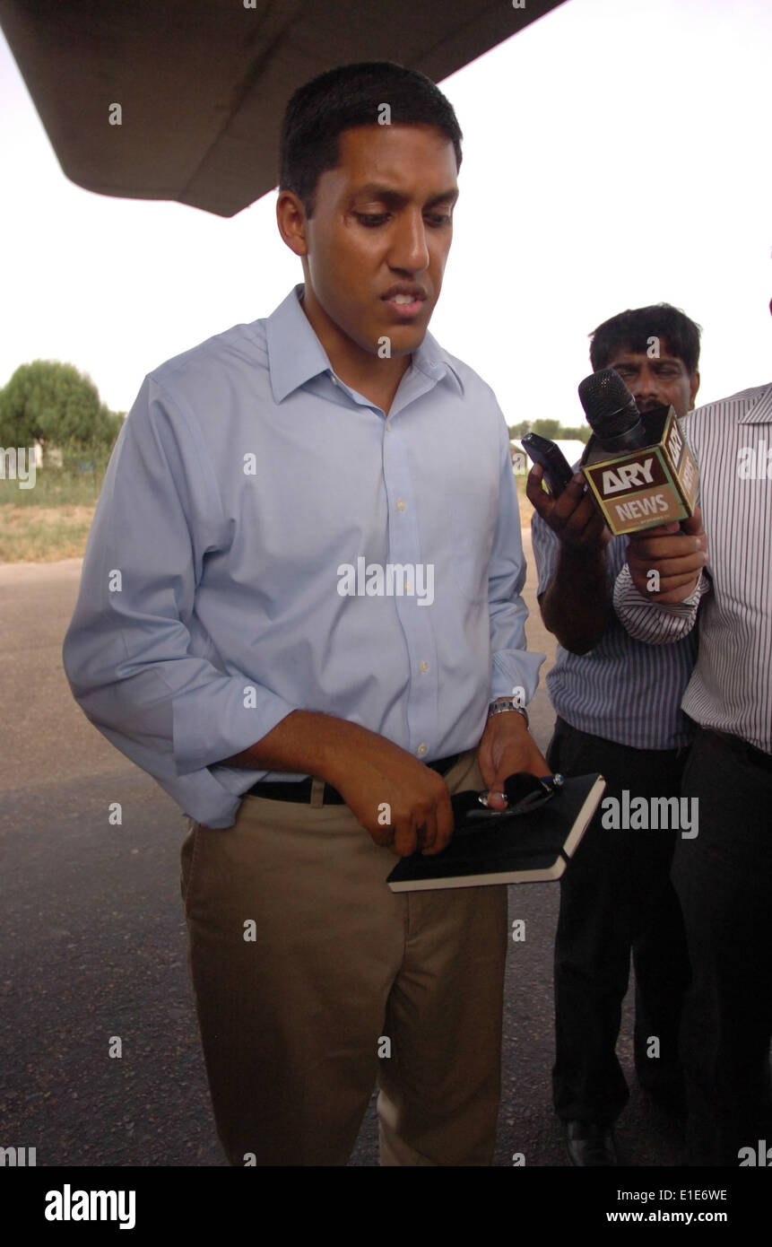 Rajiv Shah, with the U.S. Agency for International Development, speaks with reporters about relief efforts Aug. 26, 2010, on th - Stock Image