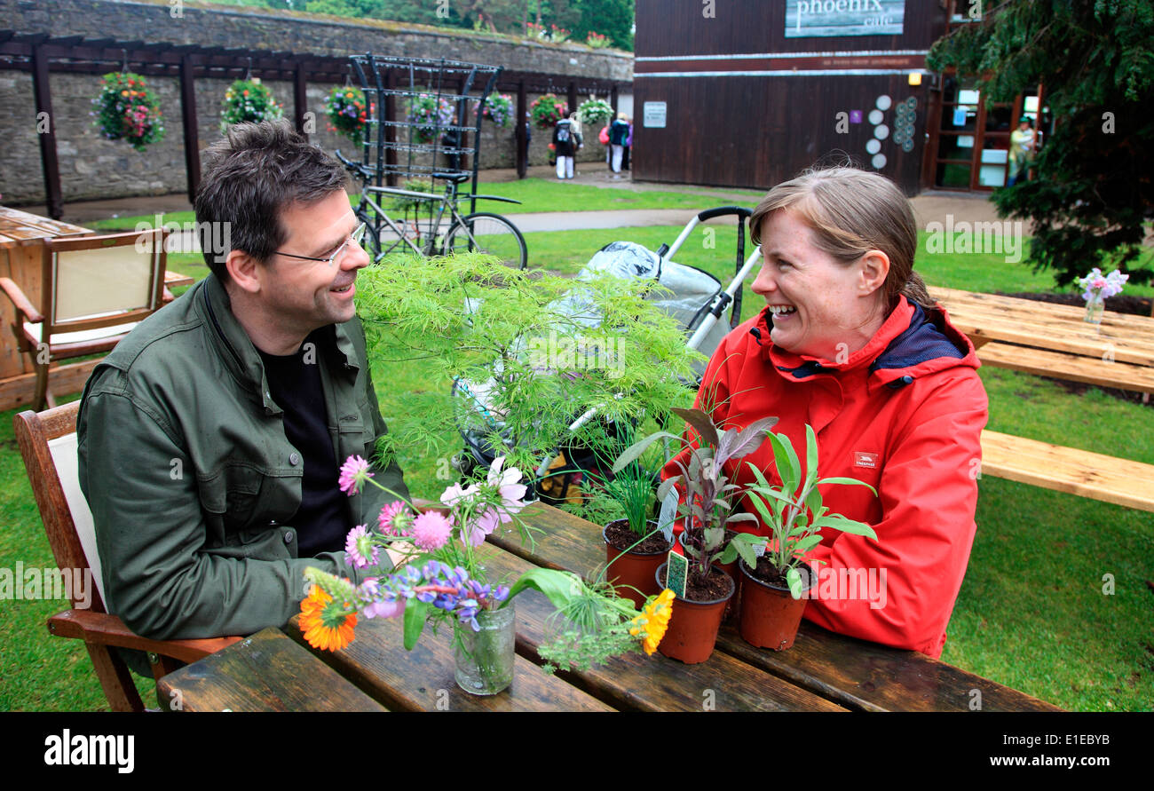 Happy punters at Bloom Irelands premier garden and food festival in Phoenix Park Dublin - Stock Image