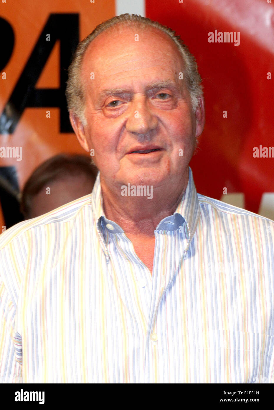 Spanish King Juan Carlos during the award ceremony of the 29th Copa del Rey sailing race in Palma de Mallorca, the 29th edition of the King's Cup (Copa del Rey), 8th August, 2010. Photo Albert Nieboer  NETHERLANDS OUT - Stock Image