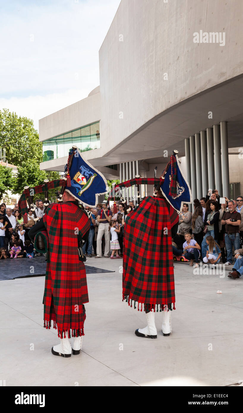 Pipers from Royal logistics regiment at MAXXI museum of 21st century art in Rome - Stock Image