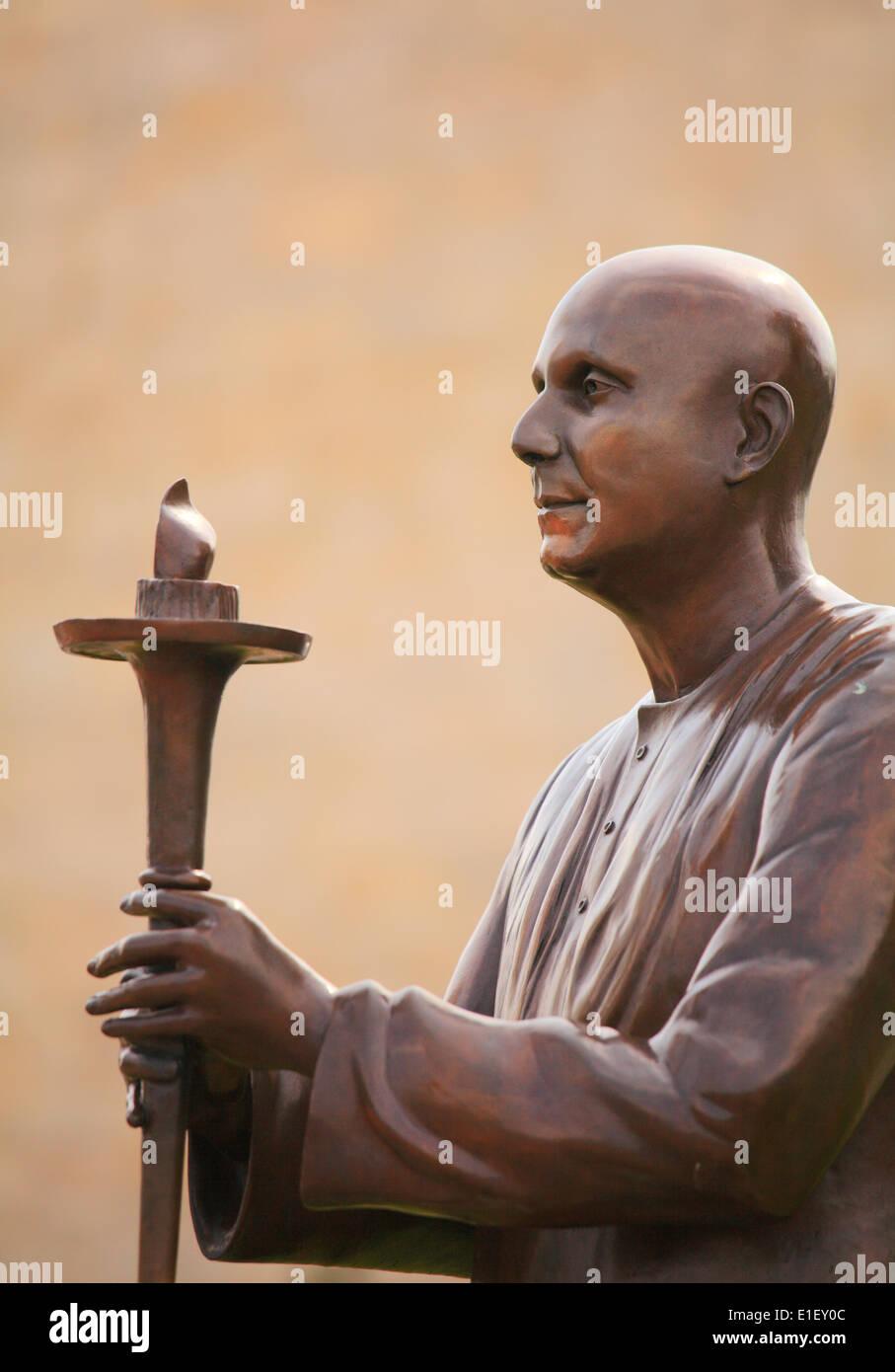 UK, Wales, Cardiff, Bay, World Harmony Peace Statue, - Stock Image