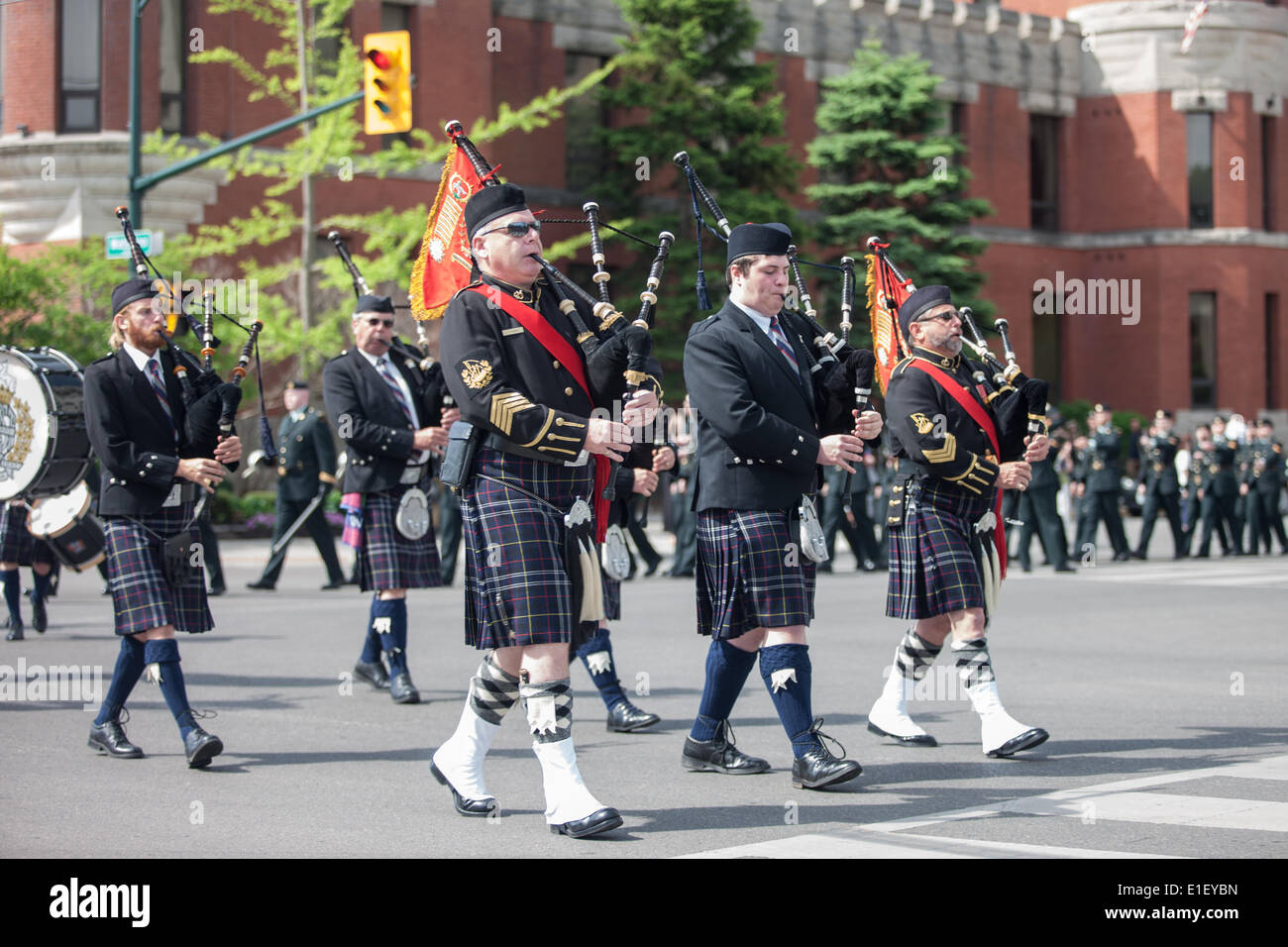 London, Ontario, Canada. 1st June 2014. Active and veteran members of the Canadian Army's 1st Hussars parade through Stock Photo