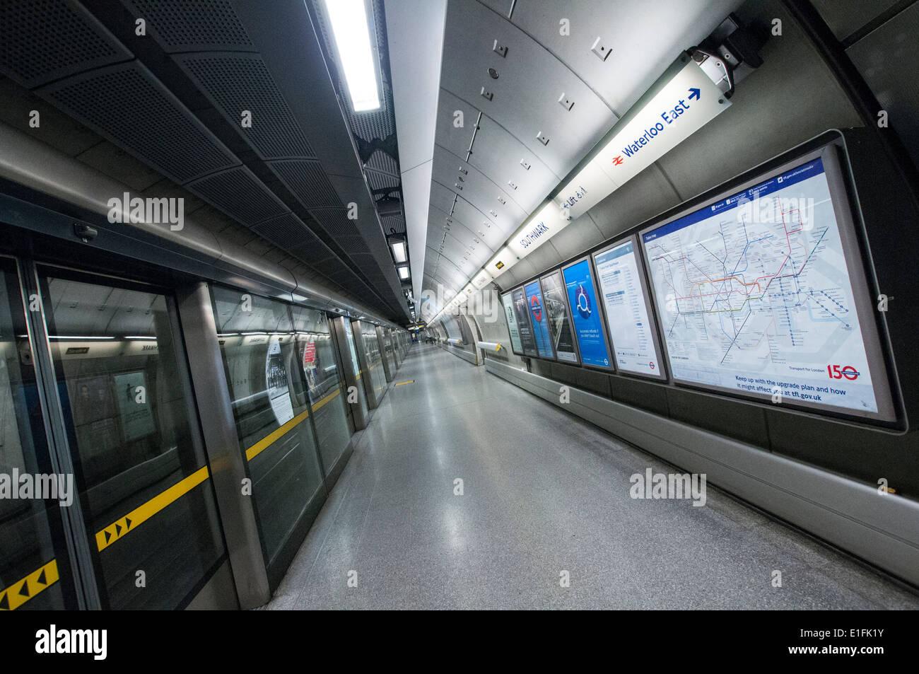 Platform at Waterloo Station on the London Underground, England UK - Stock Image