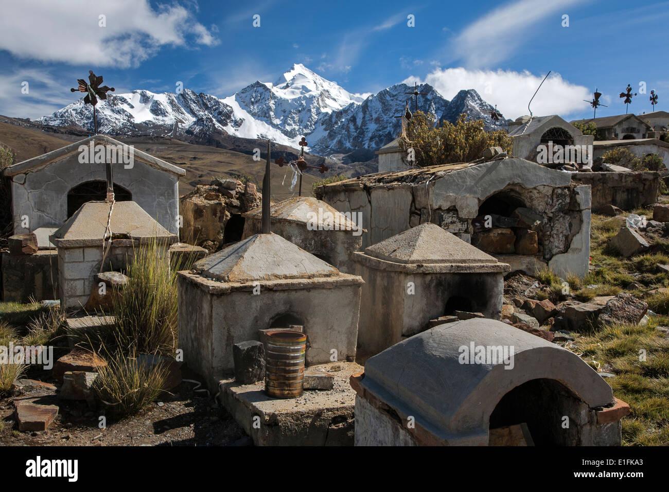Milluni miner´s cemetery and Huayna Potosi mountain (6088mts). Cordillera Real. Bolivia - Stock Image