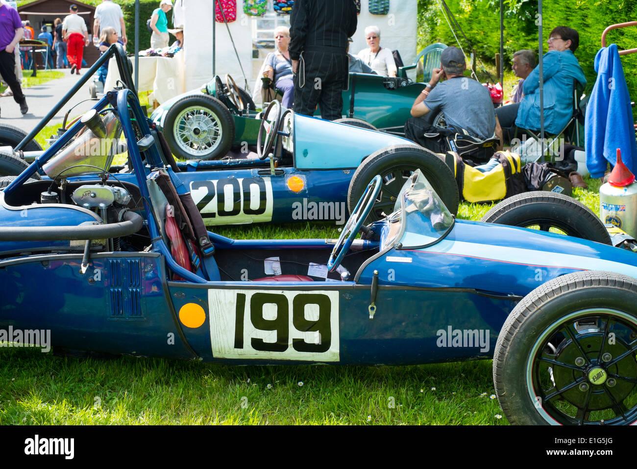 Old racing cars in paadock at Shelsley Walsh motor racing hill climb ...