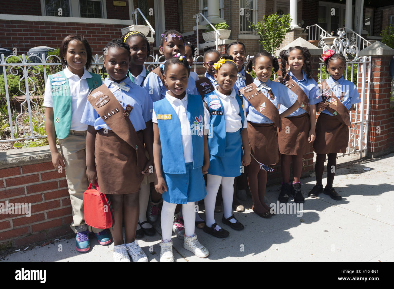 Girl Scout troop poses for photo at The Kings County Memorial Day Parade in the Bay Ridge Section of Brooklyn, NY, May 26, 2014. - Stock Image