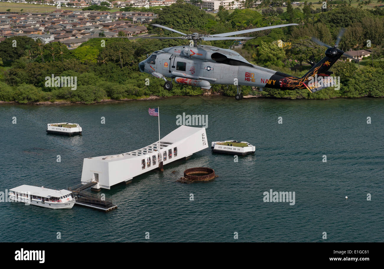 110610-N-DR144-218 PEARL HARBOR (June 10, 2011) An SH-60F Sea Hawk helicopter assigned to Helicopter Anti-Submarine Squadron (H - Stock Image