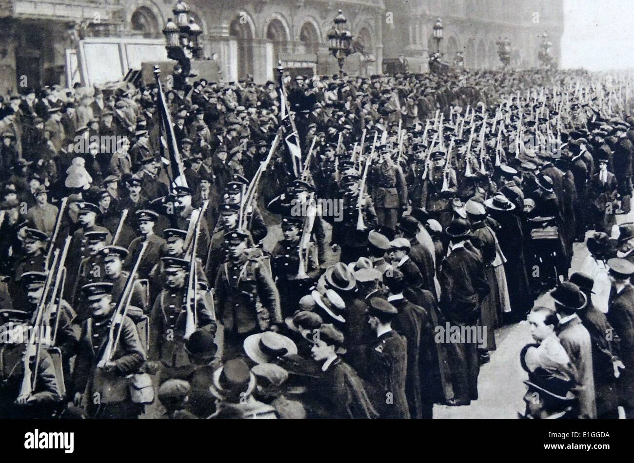 Return of the Guards: 2nd Grenadiers at St. Pancras Railway Station. Dated 1919 - Stock Image