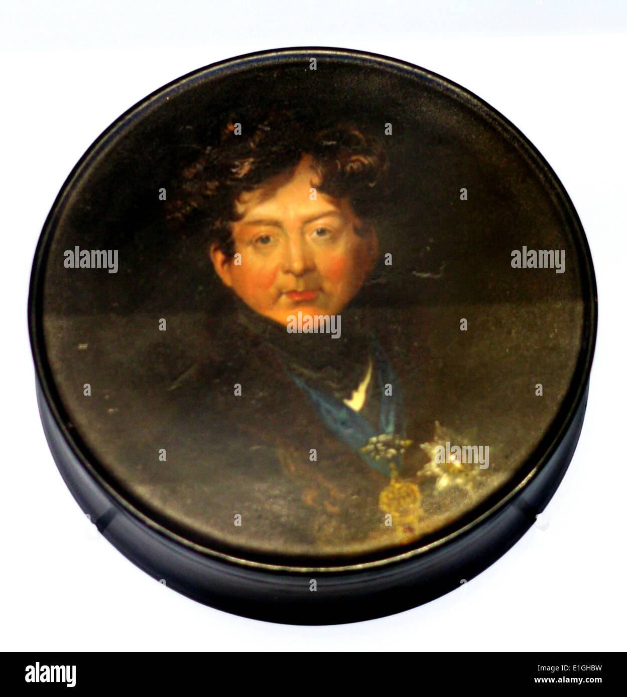 Papier-mache snuff box with a portrait of King George IV by Samuel Raven (1829-1877) in 1822. - Stock Image