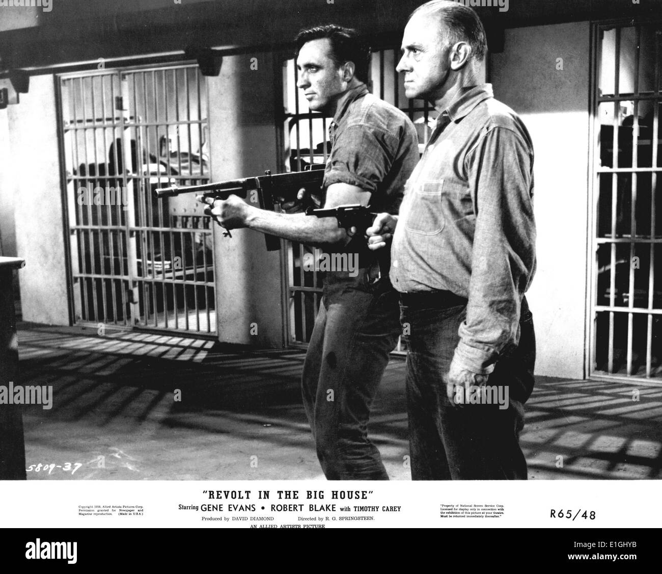 'Revolt in the Big House' a film starring Gene Evans and Robert Blake. Gannon is an imprisoned racketeer kingpin who tries to - Stock Image