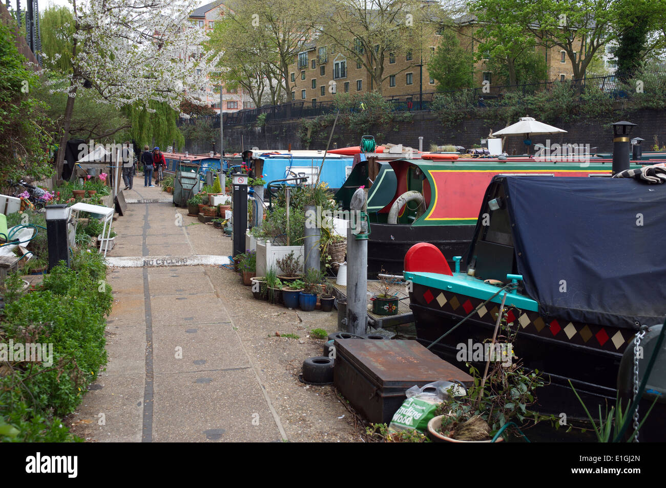 Little Venice London towpath and canal barges. England, UK. - Stock Image