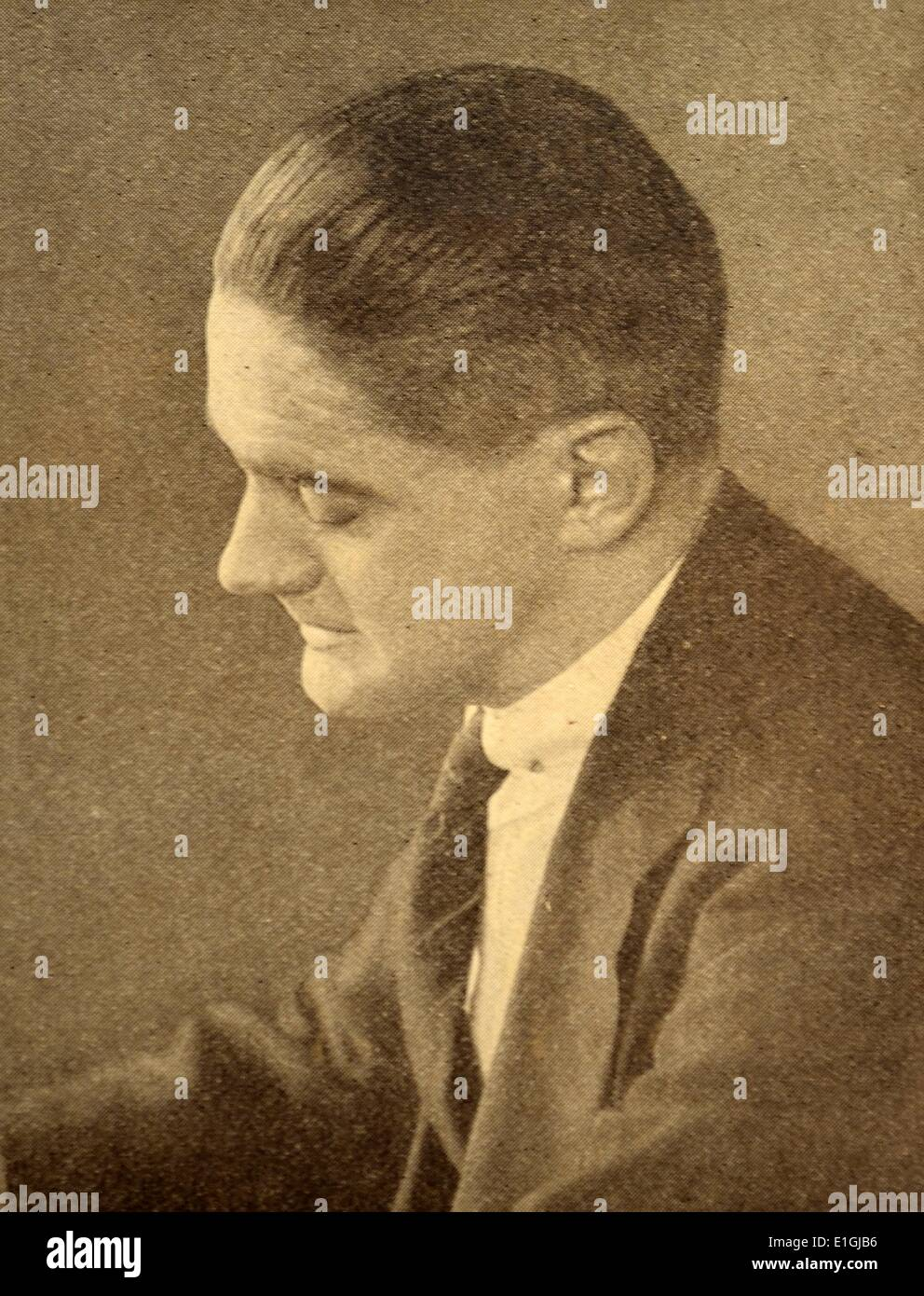 Thomas Stearns Eliot OM (26 September 1888 – 4 January 1965) was an essayist, publisher, playwright, literary and social critic - Stock Image