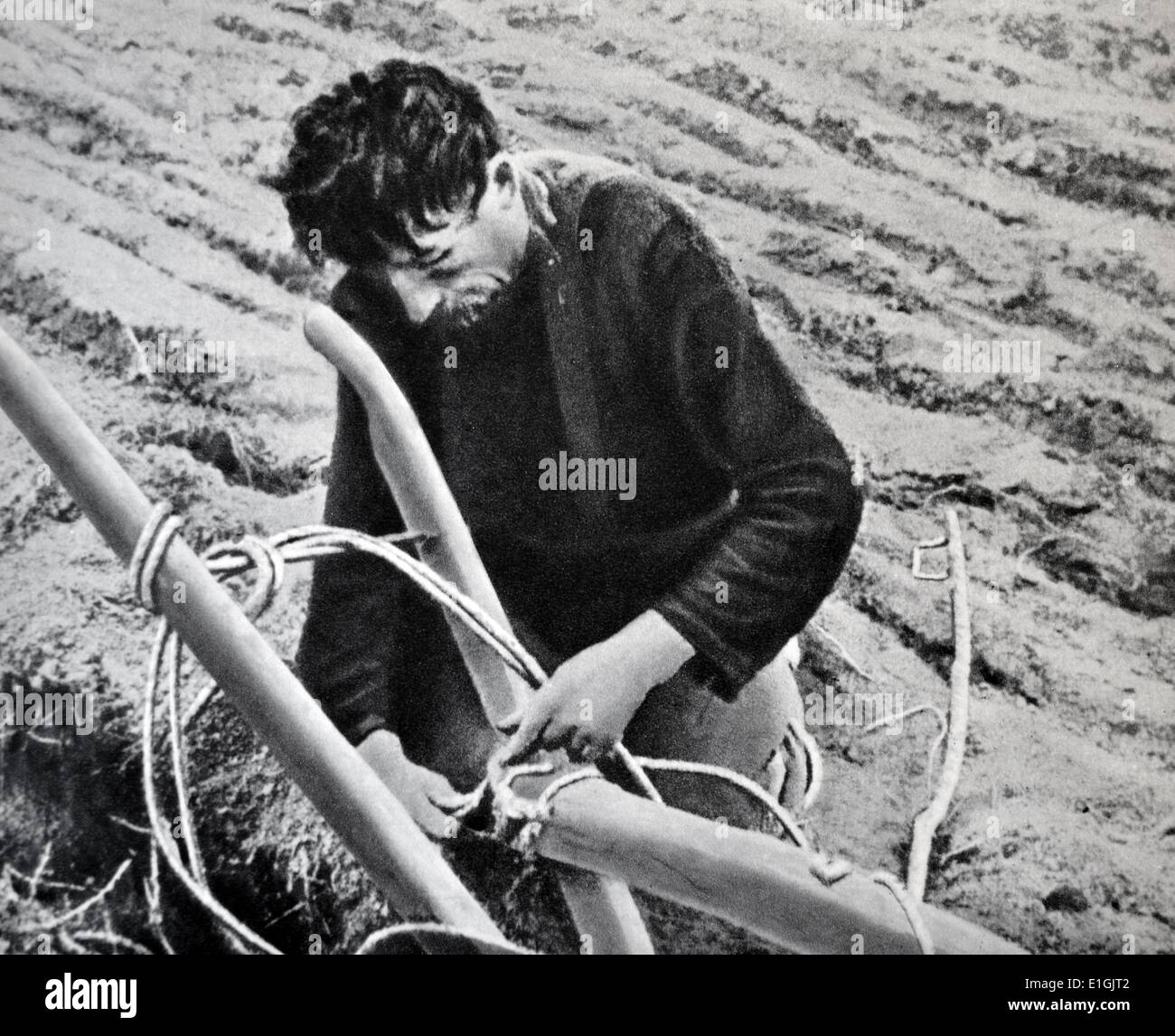 peasant farmer with his equipment in Russia, 1905 - Stock Image