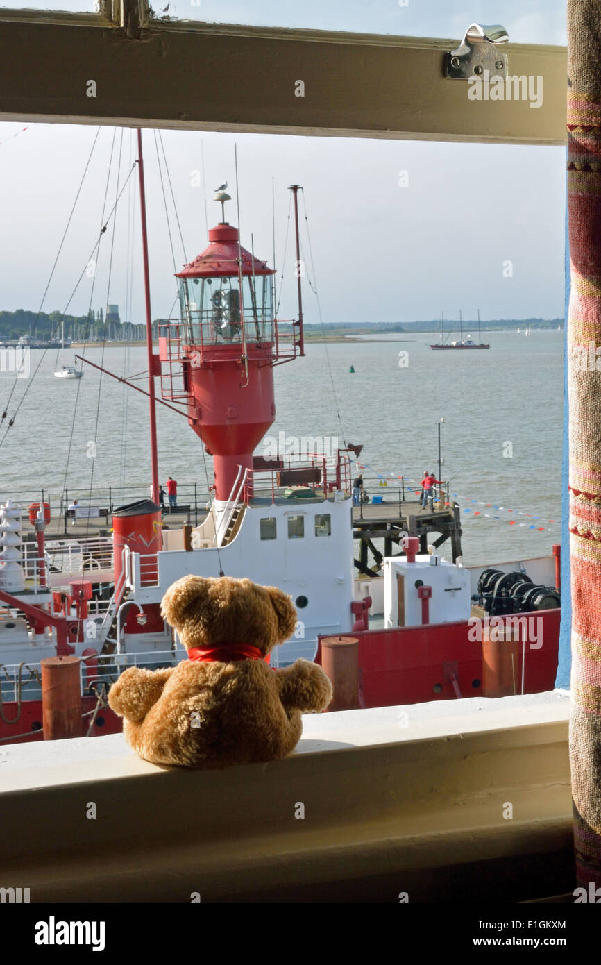Teddy Bear In Window Stock Photos Amp Teddy Bear In Window