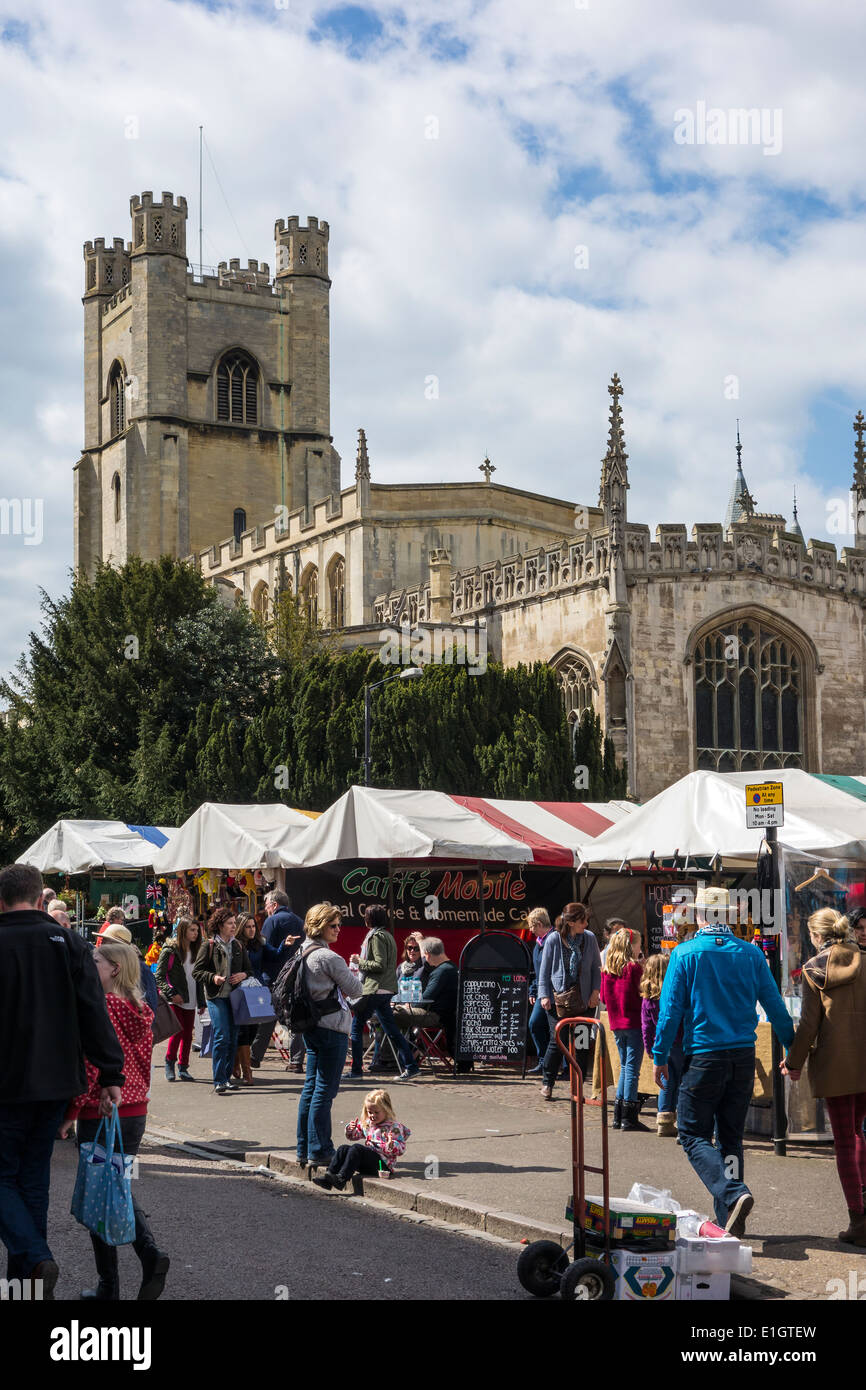 Busy Market Place and Great St Marys Church Cambridge - Stock Image