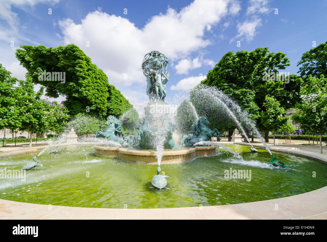 Fontaine de l\'Observatoire, Jardin Marco Polo, Paris, France Stock ...