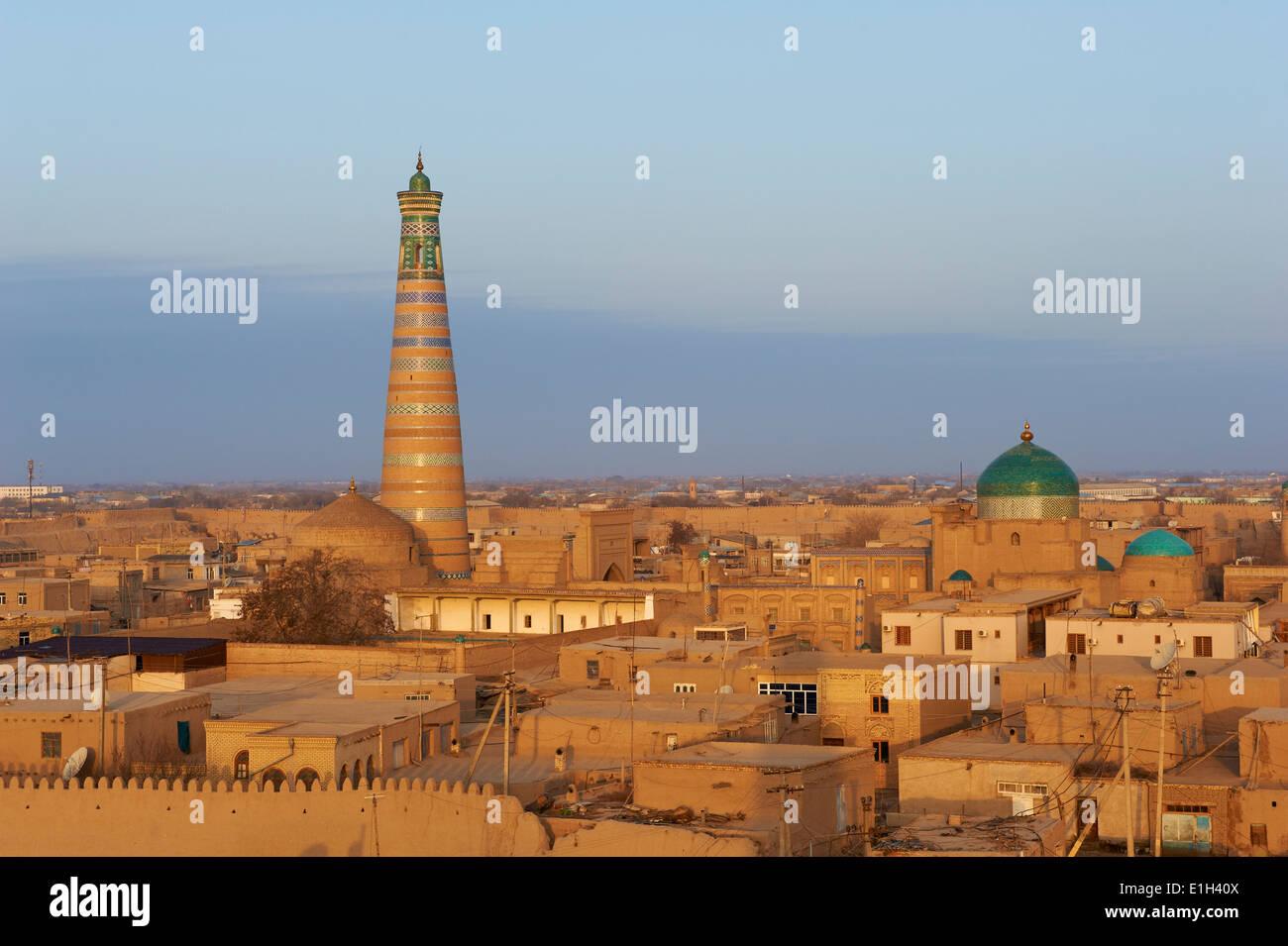 Uzbekistan, Khiva, Unesco World Heritage, city and Islam Hoja minar - Stock Image