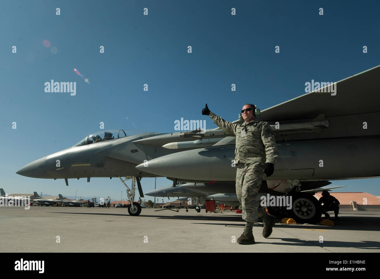 U.S. Air Force Tech. Sgt. Jon Merris, 142nd Fighter Wing, engine mechanic, Portland Air National Guard, completes a pre-launch - Stock Image
