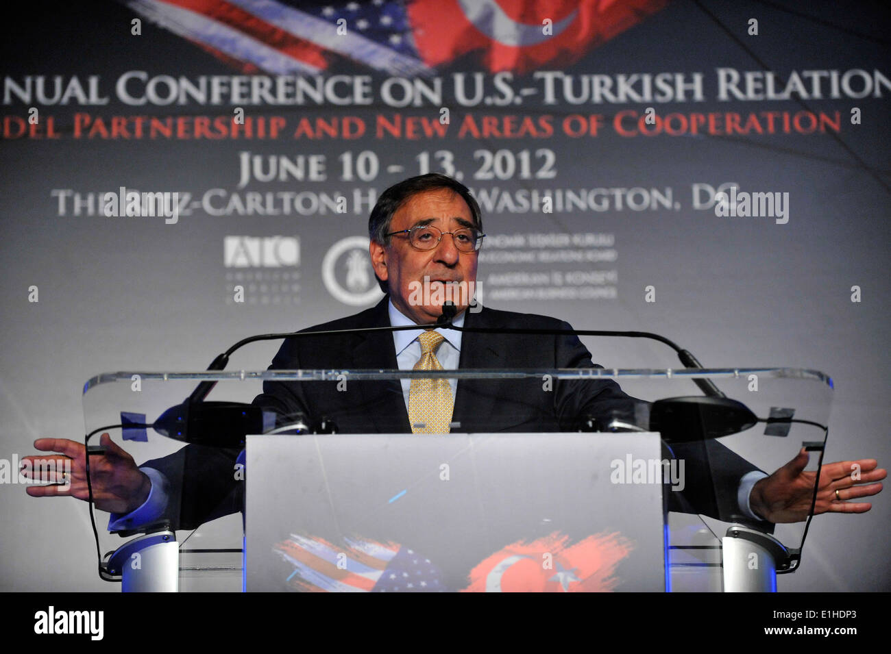Secretary of Defense Leon E. Panetta gives the keynote address during the 31st Annual Conference on U.S.-Turkish Relations dinn - Stock Image