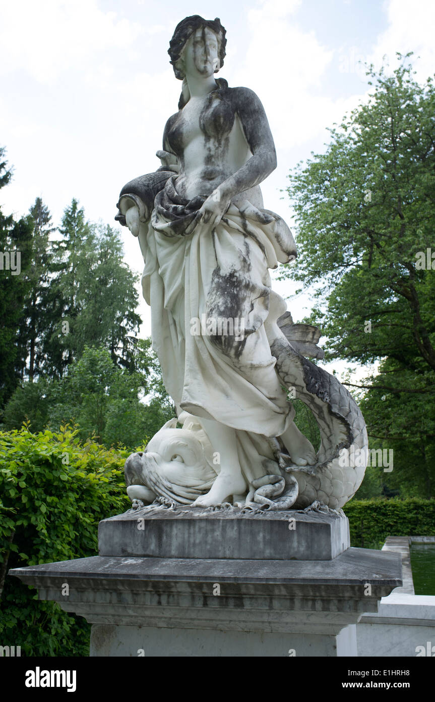 Statue in the gardens of the Herrenchiemsee royal palace, Herreninsel, Chiemsee, Bavaria, Germany. - Stock Image