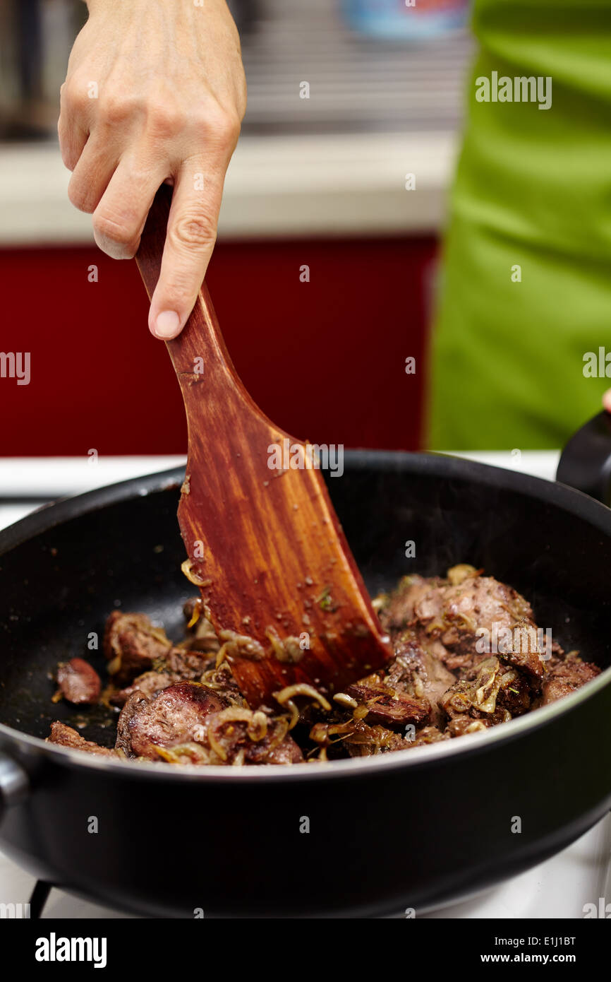 How long to cook chicken liver in frying pan