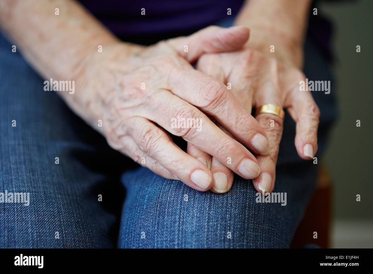 Close up of 82 year old senior woman's hands - Stock Image