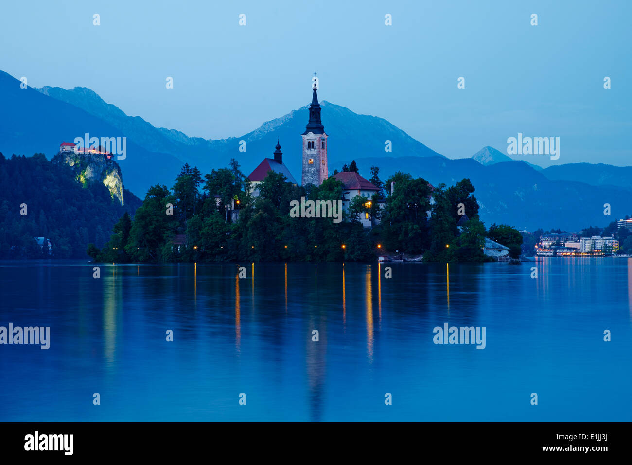 Slovenia, Bled, Lake Bled and Julian Alps, church of the Assumption - Stock Image