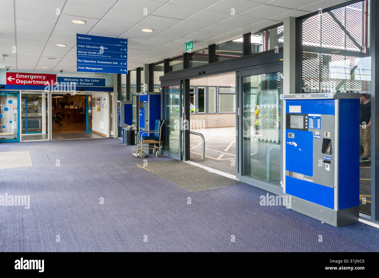 Interior entrance to Lister Hospital, Stevenage, Hertfordshire, England, GB, UK. - Stock Image