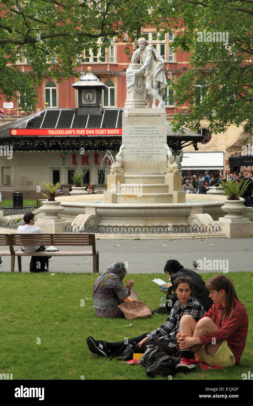 UK, England, London, Leicester Square, Shakespeare statue, people, - Stock Image