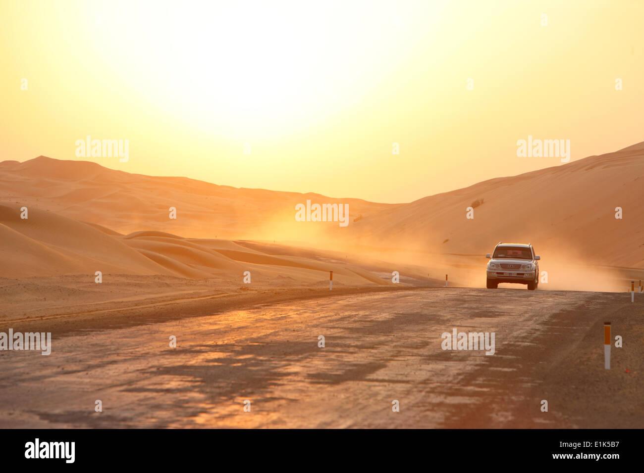 4-wheel drive in Liwa desert - Stock Image