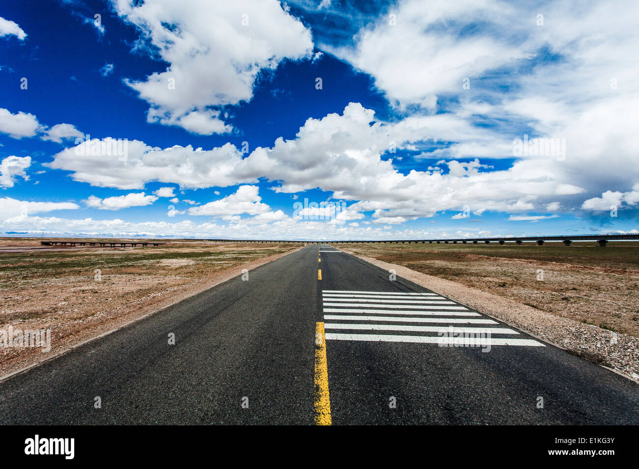 Road in Tibet, China - Stock Image