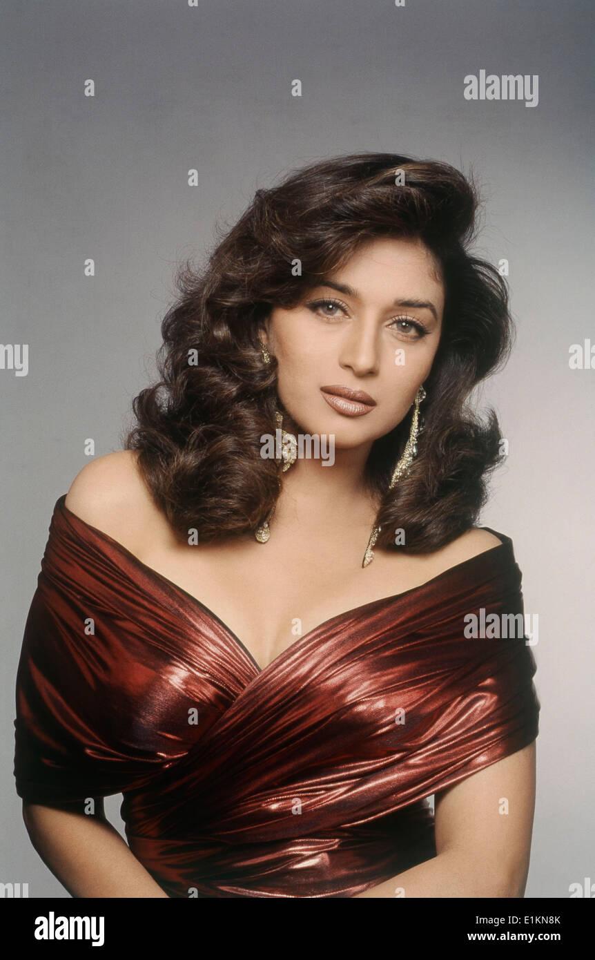 Madhuri Dixit Hairstyle Name Fade Haircut