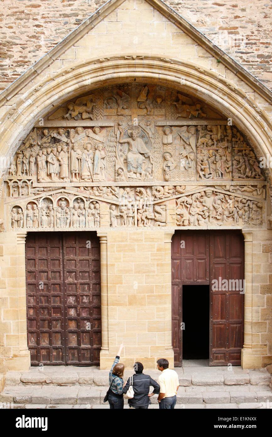 Sainte Foy abbey church doors and tympanum & Sainte Foy abbey church doors and tympanum Stock Photo: 69890434 - Alamy