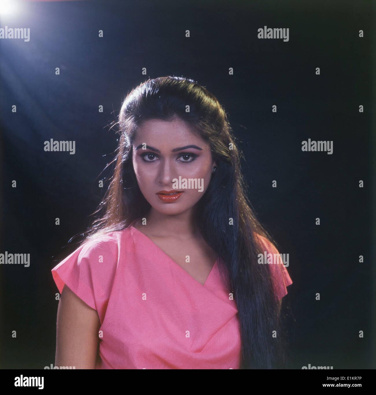 Padmini Kolhapure Padmini Kolhapure new pics